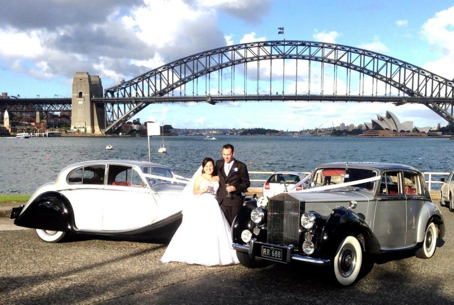 Sydney Harbour wedding car photos